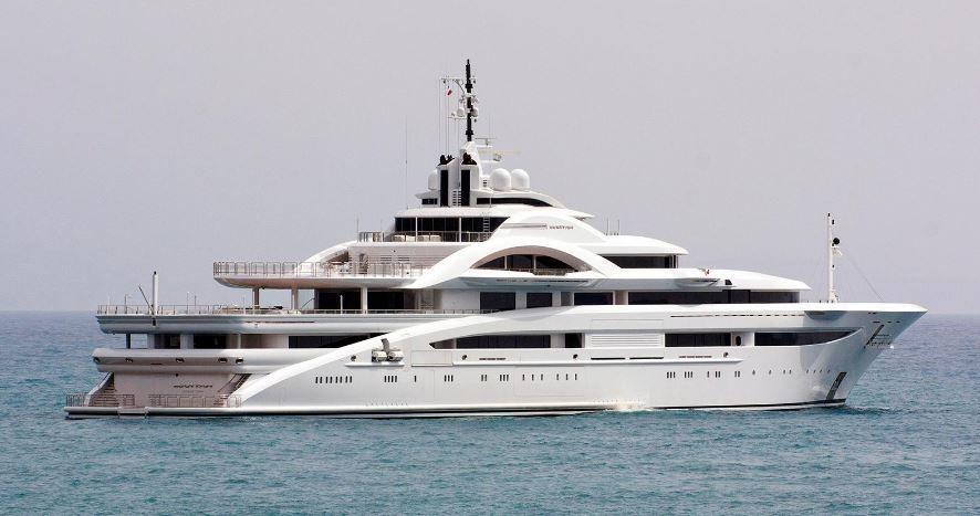 Super yacht Maryah, un ancien navire de recherche russe, totalement métamorphosé