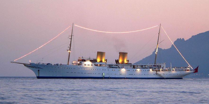 Super yacht Savarona, du milliardaire Kahraman Sadikoglu
