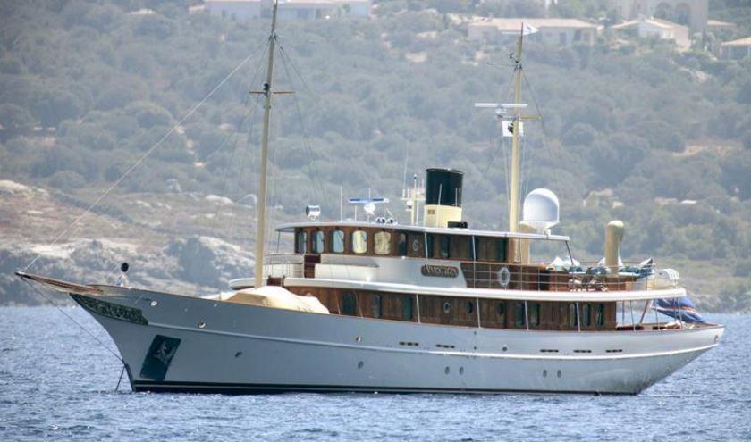 L'écrivain JK Rowlling vient de s'offrir l'ancien yacht de Johnny Depp et Vanessa Paradis