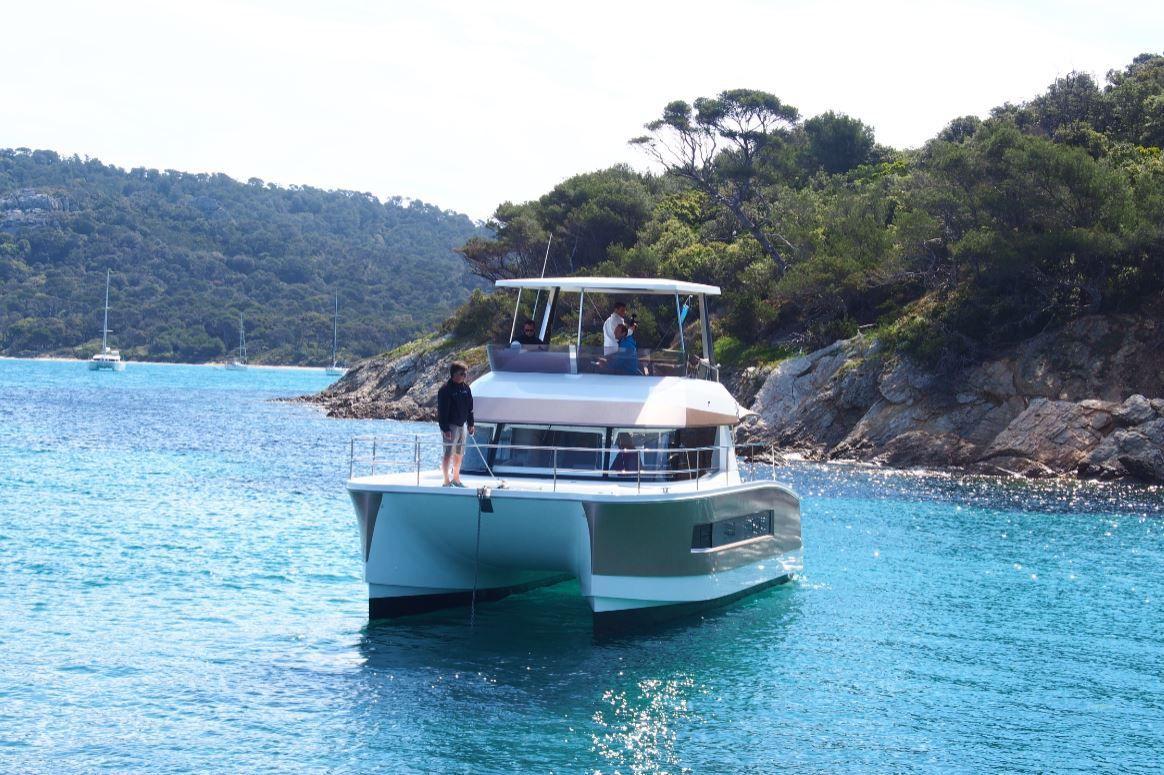 Les professionnels du nautisme s'engagent pour l'éco-navigation dans le Parc national de Port-Cros (83)