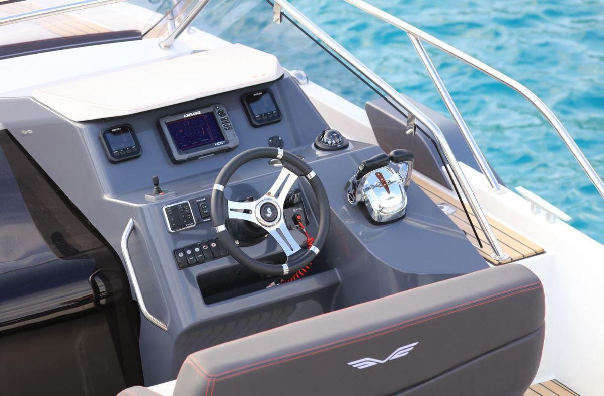 Essai bateau - Bénéteau Flyer 8.8 Sundeck, le sport et la polyvalence en plus !