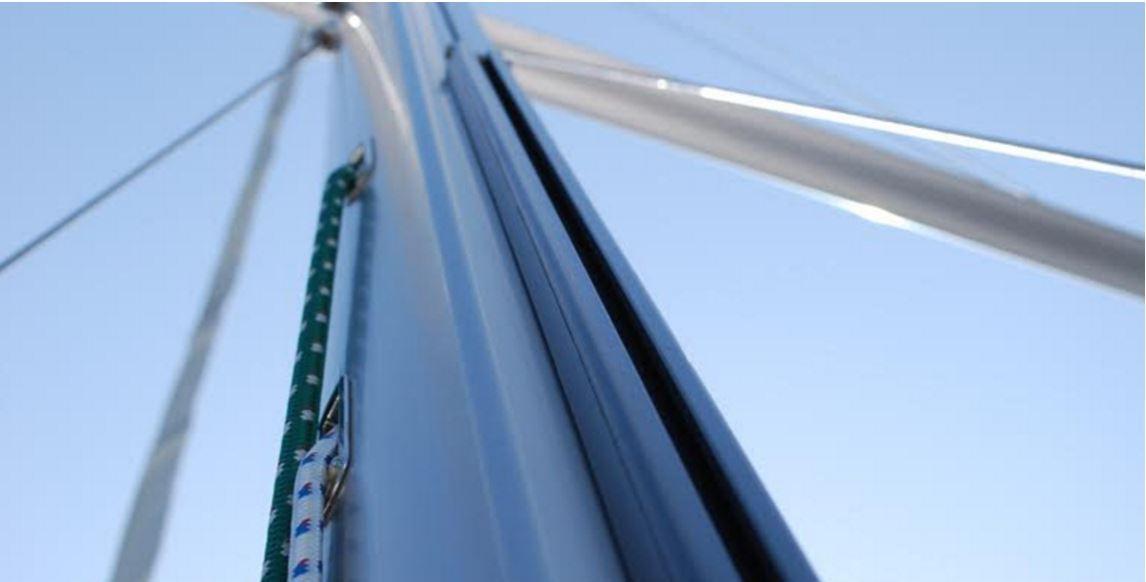 Témoignage d'un plaisancier sur le rail de grand voile Tides Marine