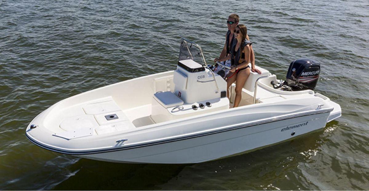 bayliner element cc5 le petit bateau anti crise. Black Bedroom Furniture Sets. Home Design Ideas