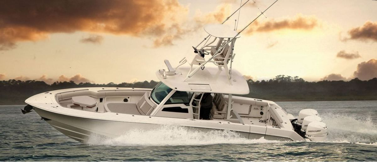 Scoop - Boston Whaler annonce le lancement de l'Outrage 380