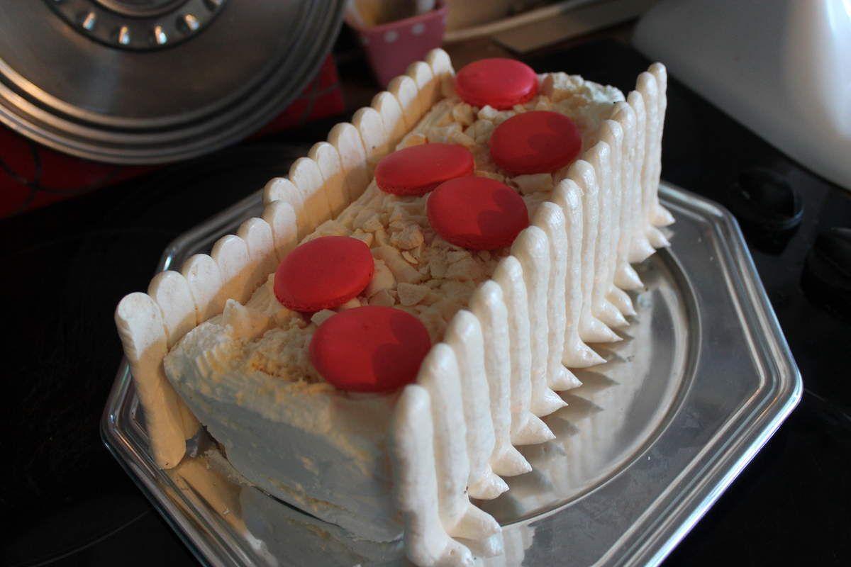 Buche vanille insert praliné