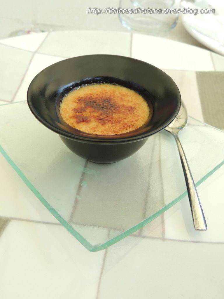Mise en bouche: crème brûlée au foie gras et aux abricots