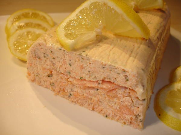 Terrine aux 2 saumons: http://delicesdhelene.over-blog.com/article-26220724.html