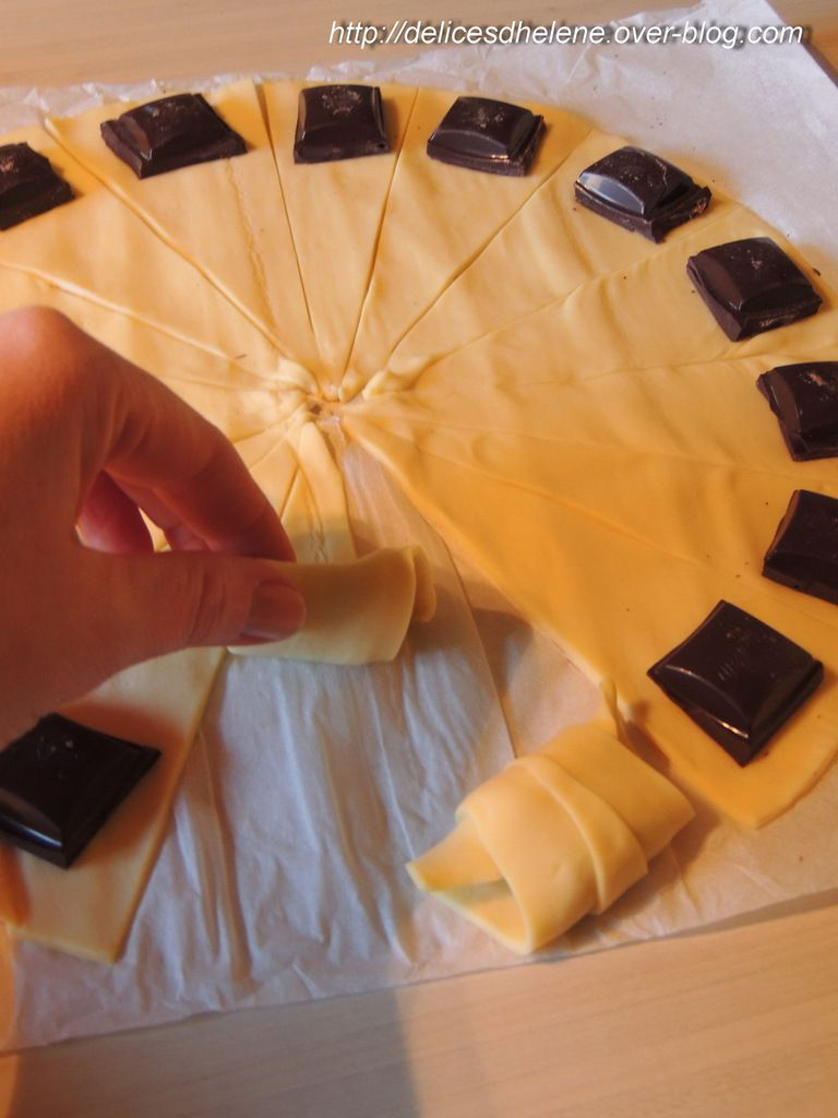 MINI CROISSANTS FOURRES CHOCOLAT-CARAMBAR