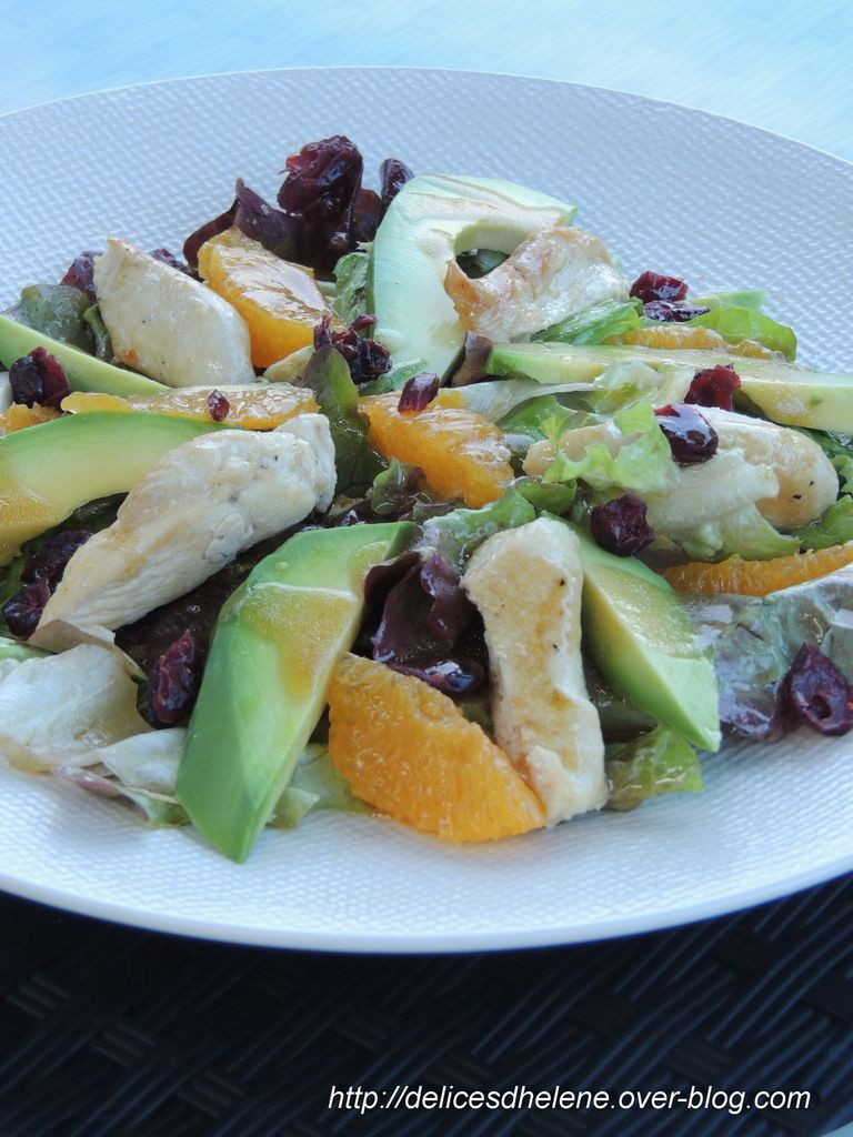 SALADE DE POULET, AVOCAT ET ORANGE