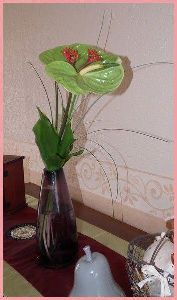 Margaux et ses fleurs.... bouquet exotique...
