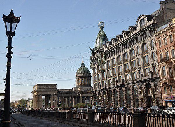 St Petersbourg - 5  dans les rues et sur les canaux ou la Neva.