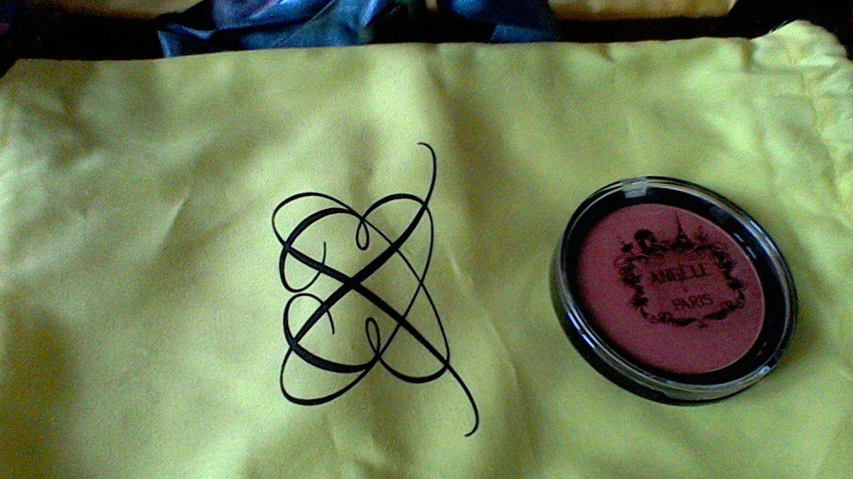 Ma boîte à beauté L'élégante (Septembre 2015)