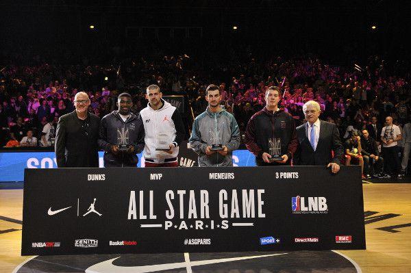 6752445d9f558 19:30 Basket All-Star Game LNB 2016. A Paris-Bercy. 20:25 Football Liga. FC  Barcelone / Betis Séville. Le FC Barcelone qui vient de remporter la coupe  du ...