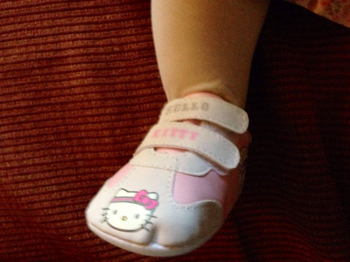 Les fameuses chaussures Hello Kitty :)