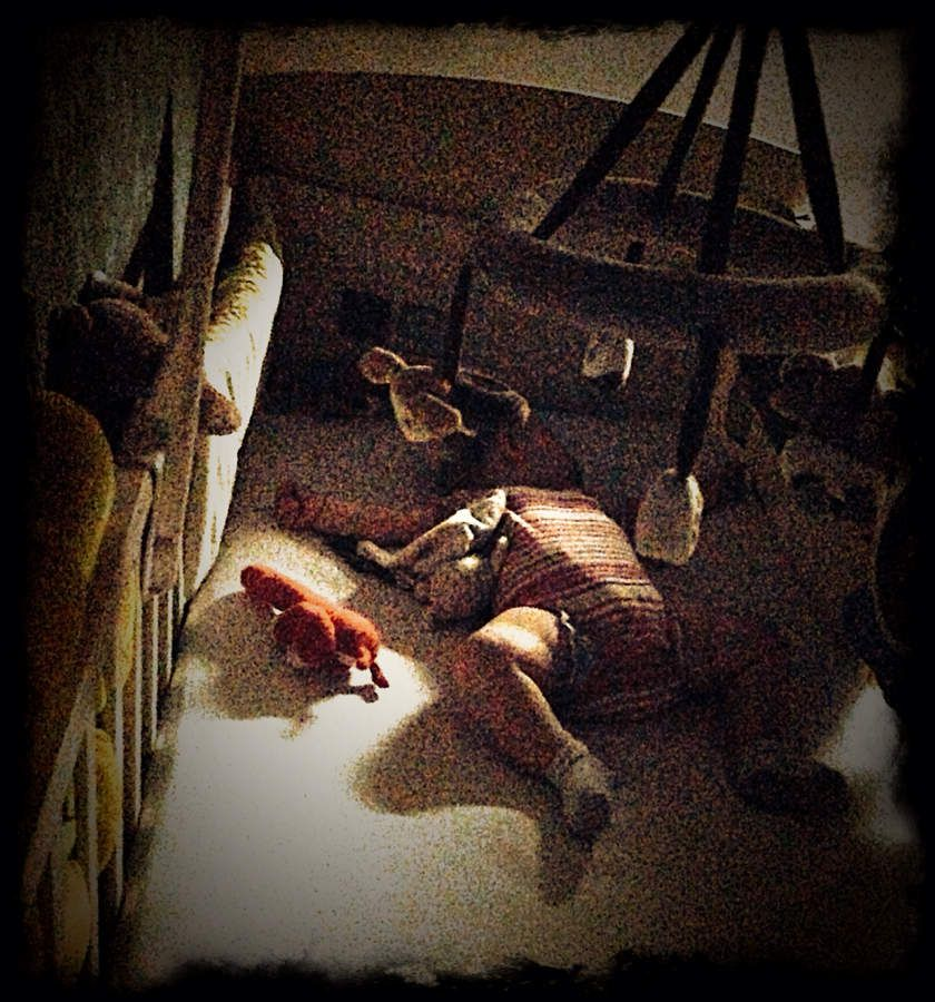 b b 7 mois dort sur le ventre le blog de maman breizhou. Black Bedroom Furniture Sets. Home Design Ideas