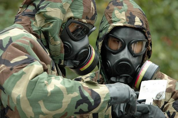 Armes chimiques : qui donne des leçons?