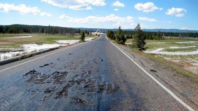 Le Parc National de Yellowstone Ferme: les routes fondent (vidéos)