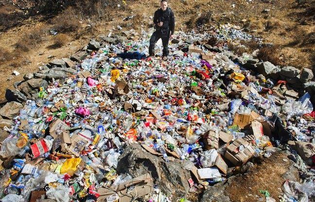 Népal: La quantité de déchets humains sur l'Everest pose problème