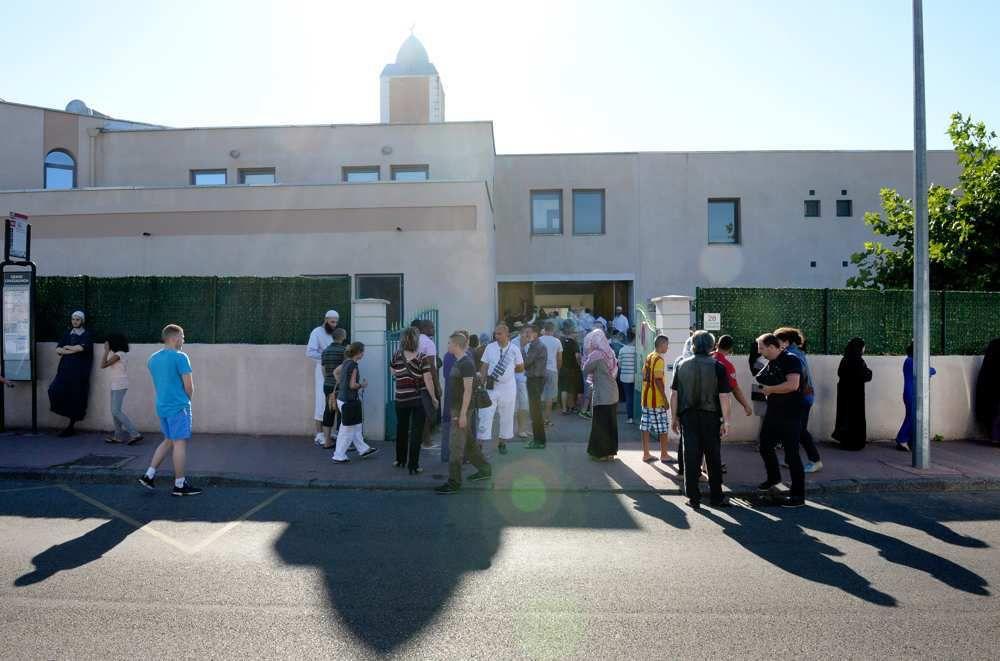Etat d'urgence : première fermeture de mosquée