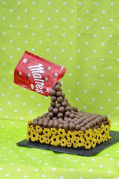 &quot&#x3B;Gravity cake&quot&#x3B; ou le &quot&#x3B;gâteau suspendu&quot&#x3B;