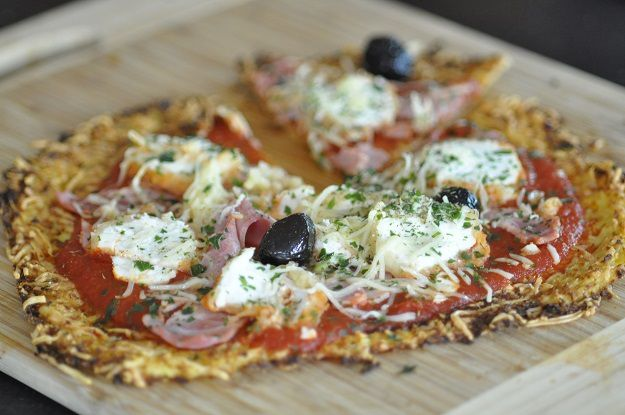 La pizza improbable (pâte à base de chou-fleur)