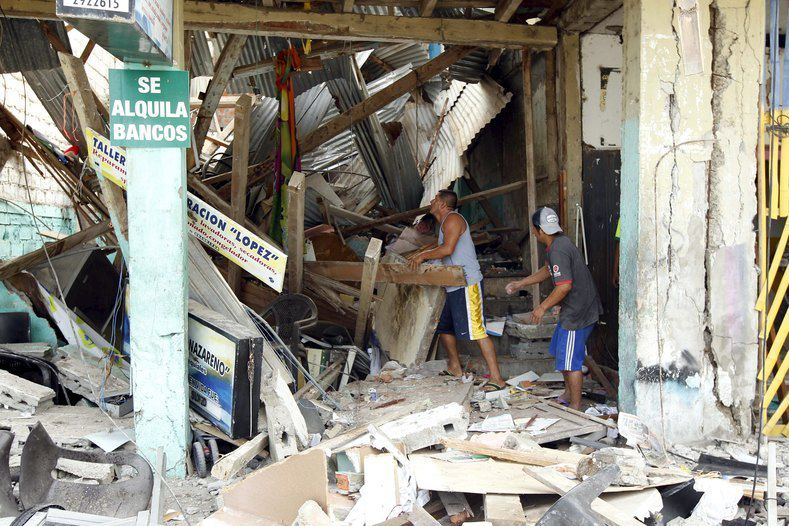 Ecuador earthquake: Death toll rises to nearly 650, aftershocks continue to spook nation