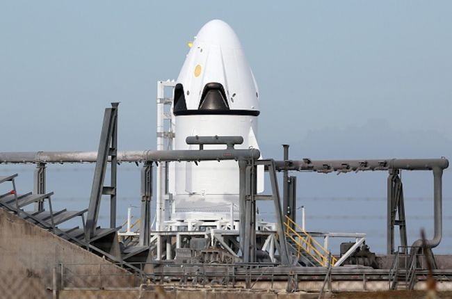 SpaceX And NASA Team Up To Land Dragons On Mars By 2018