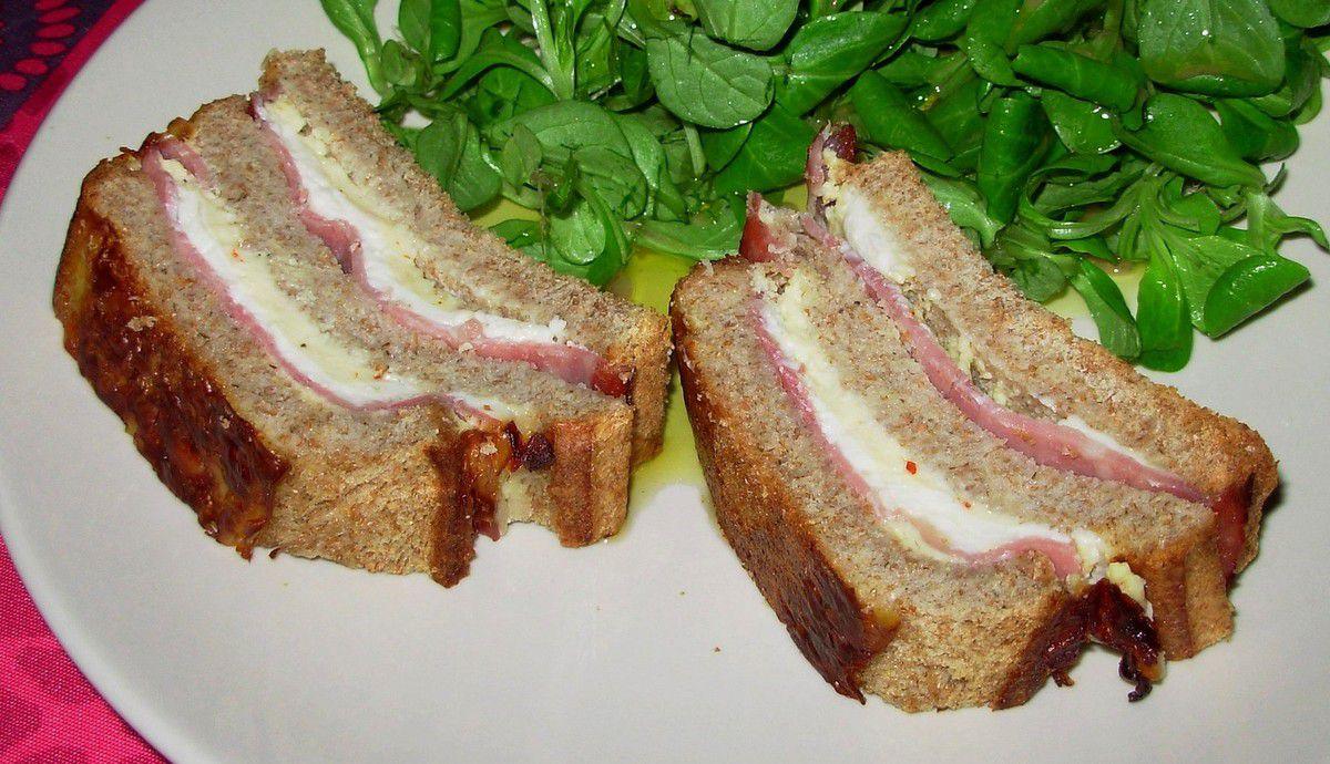 Croque-cake au jambon et au roquefort