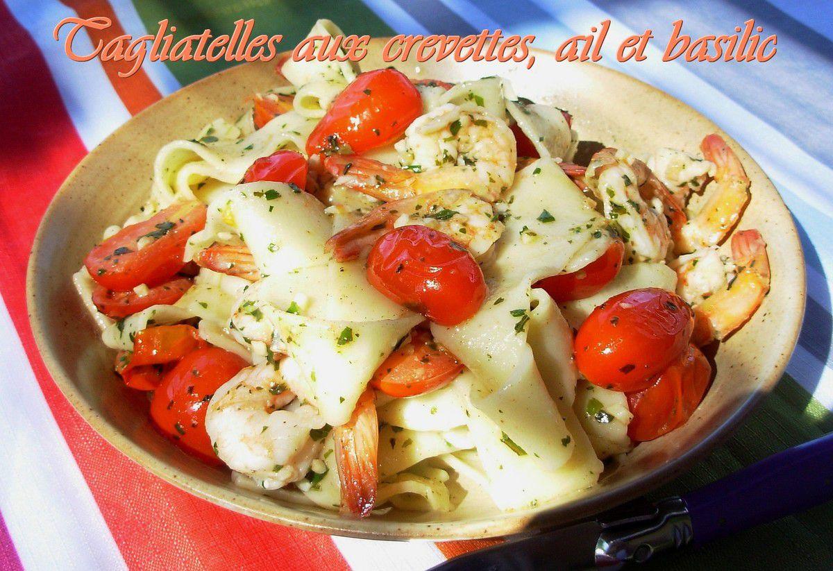 Tagliatelles aux crevettes, ail et basilic