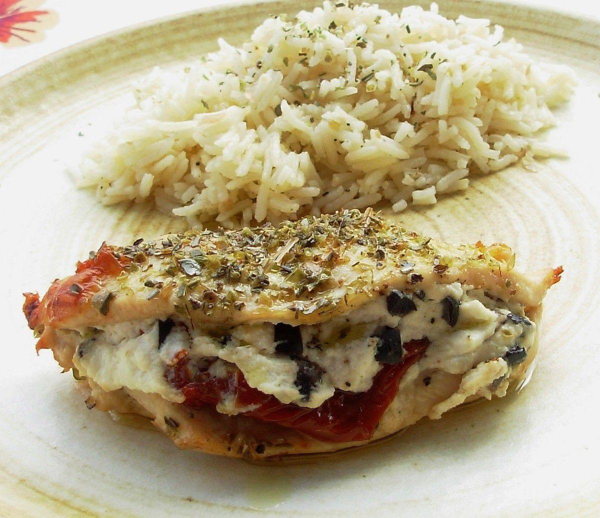 Blancs de poulet à la ricotta, olives et tomates séchées