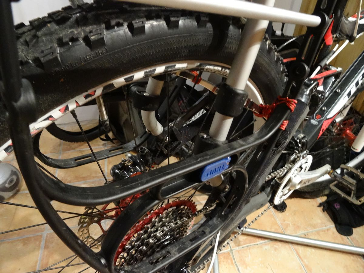 Essai porte-bagages vélo Thule Tour Rack Pack'N Pedal