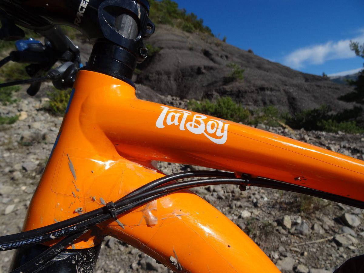 "Fat bike Fatboy Specialized ""upgrader"" : modification, amélioration."