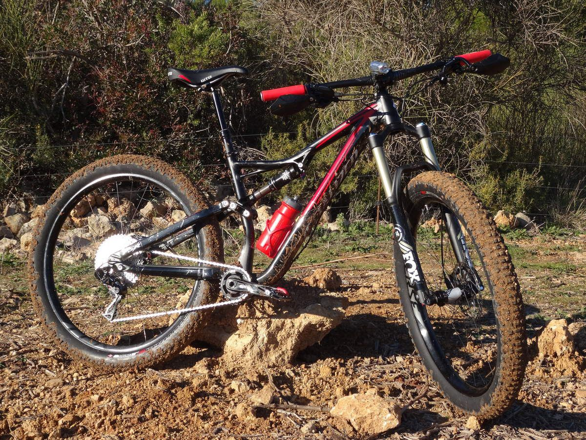 New bike Specialized stumpjumper fattie comp, dream team VTT-a-2.fr &quot&#x3B;Quelques photos&quot&#x3B;.