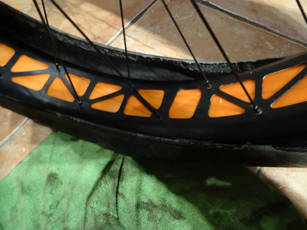 Kit tubeless FAT BIKE (conversion en tubeless du fat bike). (complément d'article).