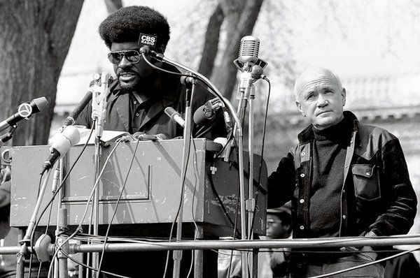 Jean Genet aux USA près du Black Panther Party