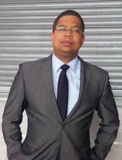 """M.Darchari MIKIDACHE,économiste et fiscaliste, président du think tank """"CEEC"""" www.ceec-comores.com"""