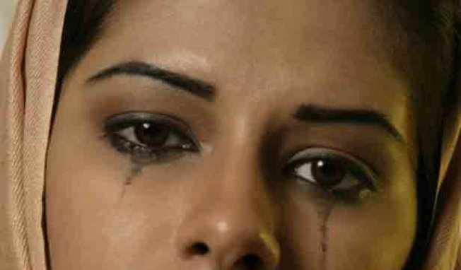 AU PAYS DU VIOL: Une jeune femme forcée de boire de l'acide avant d'être violée et tuée