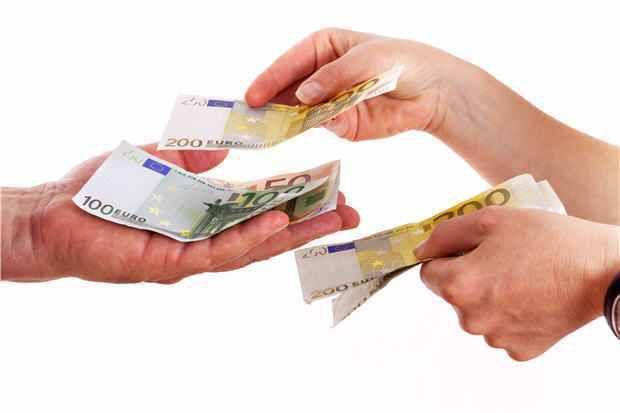 4 conseils pour soutenir un ami qui traverse des difficultés financières