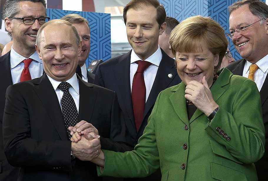 Les 5 clauses d'un accord de paix secret entre Merkel et Poutine