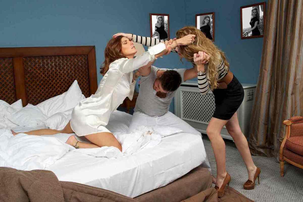 Les 5 plus gros mensonges que se racontent les femmes sur l'amour