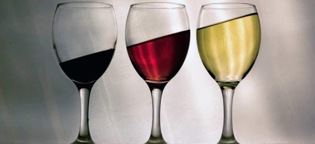 La qualité et la quantité des spermatozoïdes baisse dès cinq verres d'alcool par semaine