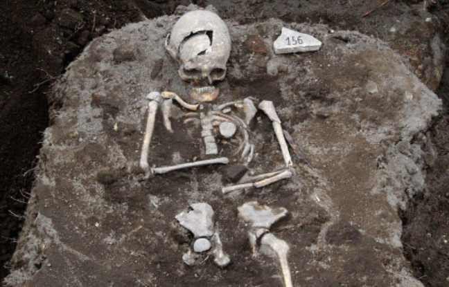 Un archéologue bulgare découvre la tombe d'un vampire
