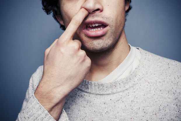 Pourquoi se gratte-t-on dans le nez ?