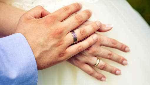 Pour savoir si une personne est fidèle, regardez ses mains