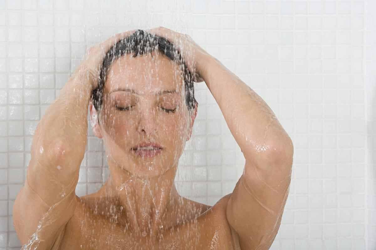15 remèdes naturels contre la transpiration excessive