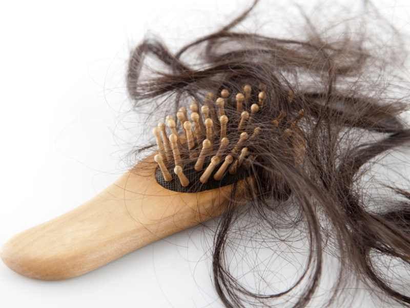 5 aliments responsables de la chute de vos cheveux