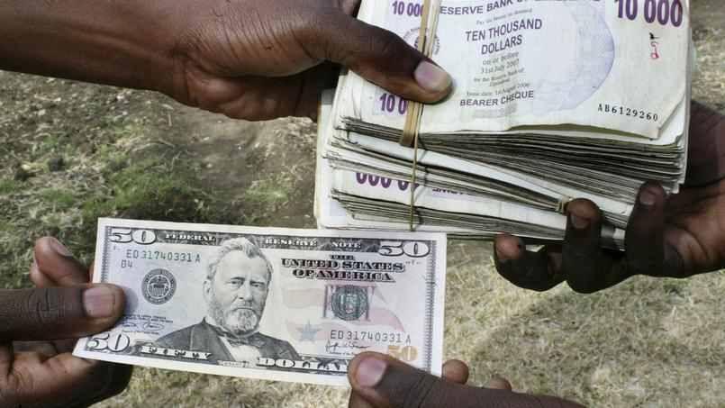 Échange 50 dollars américains contre 2 milliards de milliards de dollars zimbabwéens