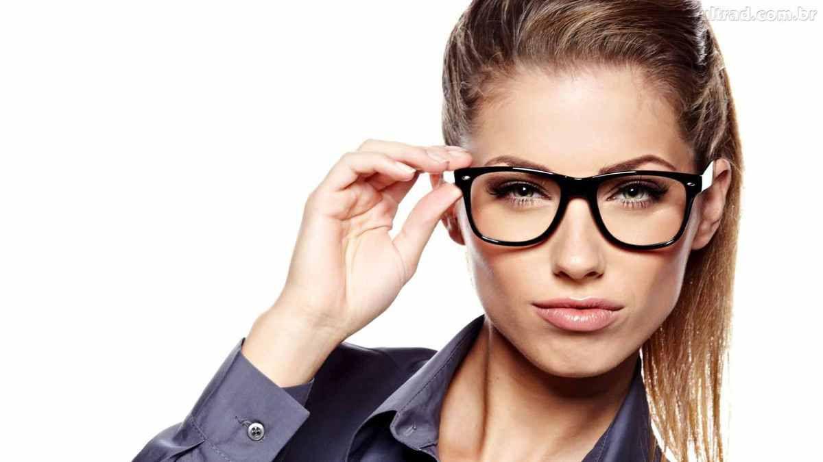 640b6da7bb 11 astuces pour choisir ses lunettes suivant la forme de son visage ...