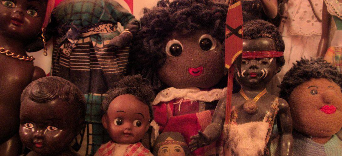 La lente revanche des poupées noires