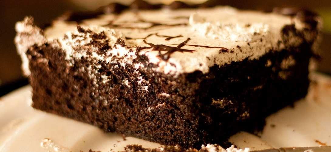 Se voir manger du gâteau dans un miroir lui fait perdre de sa saveur